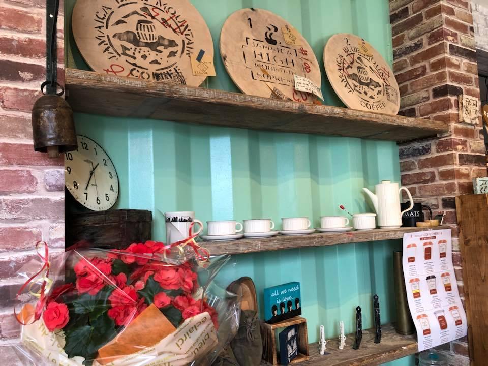 呉市、カフェ。押込。hacocafe